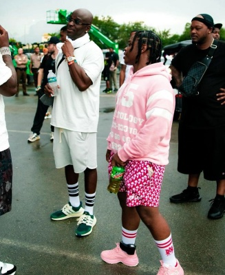 42 Dugg Wearing A Gucci Pink 25 Hoodie Pink Shorts With Amiri Socks And Pink Gucci Sneakers