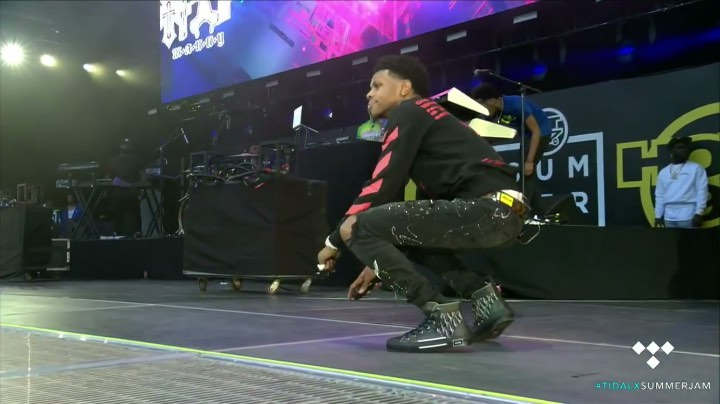 A Boogie Performing At Summer Jam In An Off White Black Shirt Lv Belt Dior Sneakers And Black Amiri Jeans