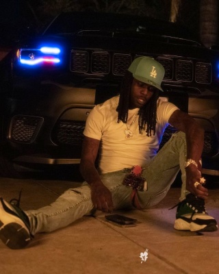 Chief Wearing A New Era La Dodgers Light Blue Hat With Amiri X Playboy Jeans And Dior B22 Sneakers