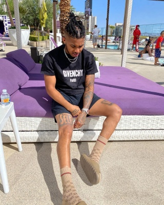 Ddg Chill Poolside In Vagas Wearing A Givenchy Tee Gucci Socks And Yeezy Slides
