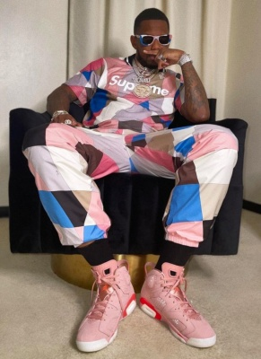 Fabolous Wearing A Supreme Colorblock T Shirt And Trackpants With Jordan 6 Sneakers
