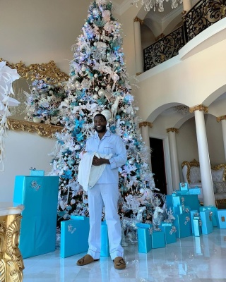 Gucci Mane Wearing Custom Pajamas And Ugg Slippers On Christmas 2020