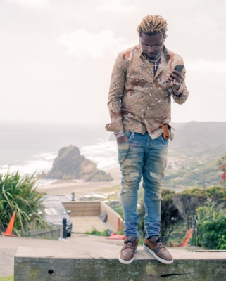 Gunna Hangs Out In Nelson Nz In A Full Louis Vuitton Fit