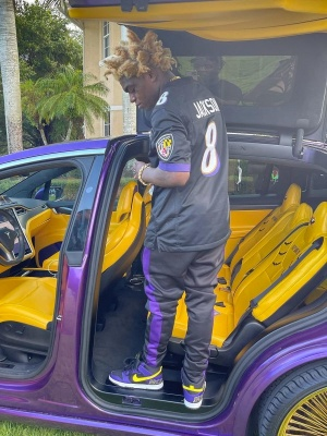 Kodak Black Wearing A Nike Baltimore Ravens Jersey With Trackpants And Nike X Lakers Dunks