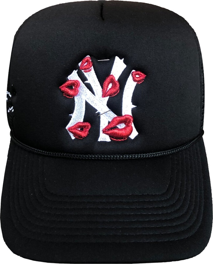 La Ropa Life Yankees Lips Trucker Hat