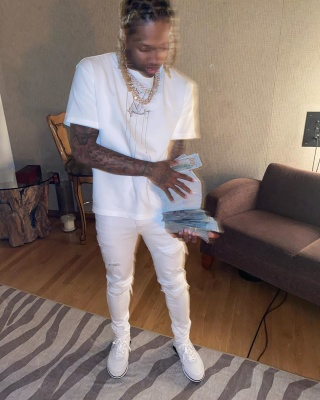 Lil Durk Flexes His Cash In A Lv T Shirt Chanel Sneakers And Amiri Jeans