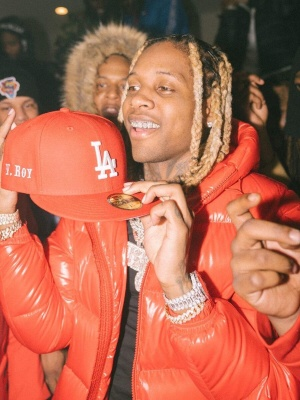 Lil Durk Wearing A New Era La Dodgers 59fifty With A Moncler Ecrins Puffer Jacket