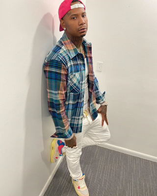 Moneybagg Yo Shows Off His Off White Flannel And Matching Jordans