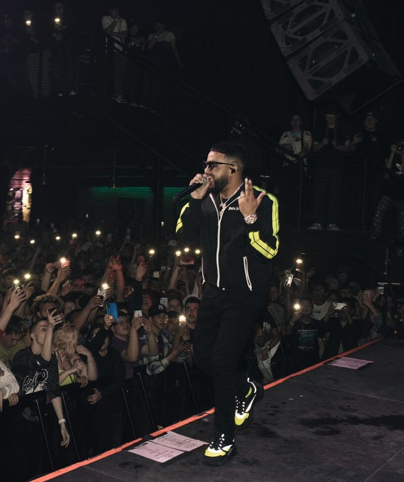 Nav Performs In A Palm Angels Track Jacket Black Ants And Dior B22 Sneakers