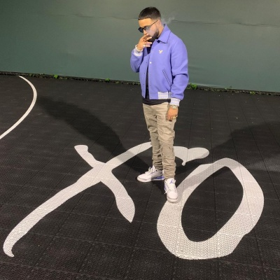 Nav Wearing An Off White Bomber And Jordan 3s In Xo Bball Court