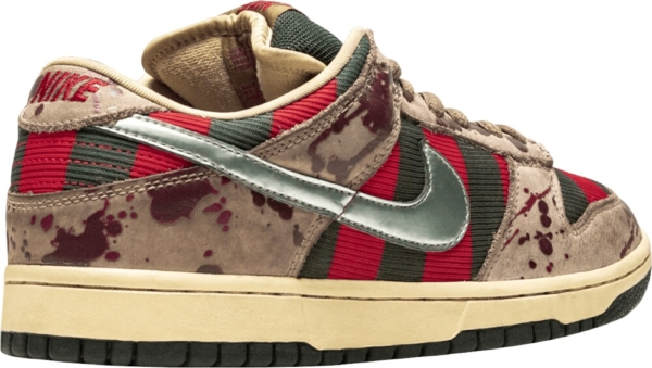 Nike Dunk Red And Green Stripe Sneakers