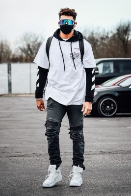 Patrick Mahomes Wearing Oakley Sunglasses With An Off White Hoodie And Balmain Jeans