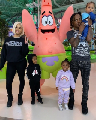 Rich The Kid At Nickelodean Universe In Amiri And Jordan 4s