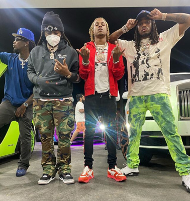 Rich The Kid Shows Off His Watch To Migos